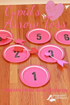 Awesome Classroom Party Decor Ideas For Valentines Day 43