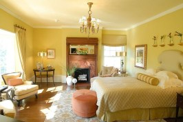 Casual Traditional Bedroom Designs Ideas For Home 11