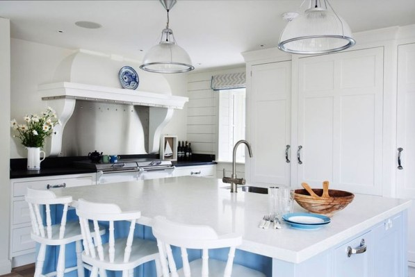 Elegant Beach Coastal Style Kitchen Decor Ideas 26