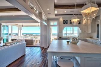 Elegant Beach Coastal Style Kitchen Decor Ideas 32
