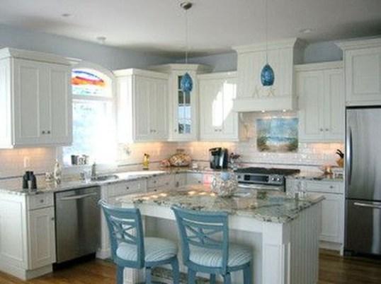 Elegant Beach Coastal Style Kitchen Decor Ideas 34