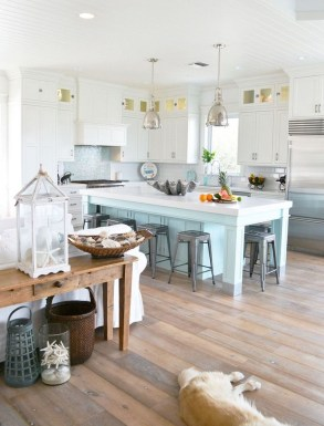 Elegant Beach Coastal Style Kitchen Decor Ideas 40