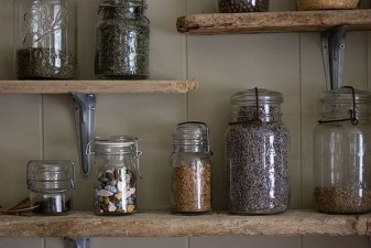 Inspiring Diy Wood Shelves Ideas On A Budget 14