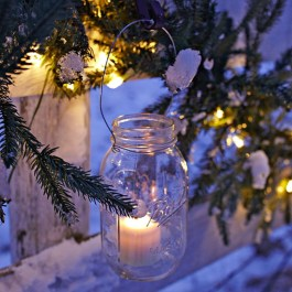 Outstanding Diy Outdoor Lanterns Ideas For Winter 14