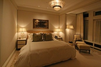 Pretty Chandelier Lamp Design Ideas For Your Bedroom 21
