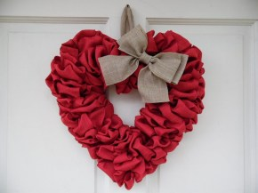 Stunning Red Home Decor Ideas For Valentines Day 18