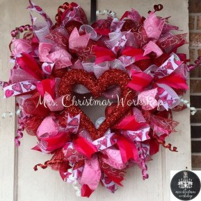 Stunning Red Home Decor Ideas For Valentines Day 29