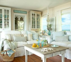 Stylish Coastal Themed Living Room Decor Ideas 15