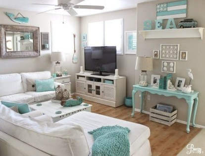 Stylish Coastal Themed Living Room Decor Ideas 43