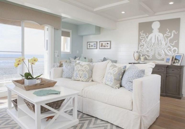 Stylish Coastal Themed Living Room Decor Ideas 47