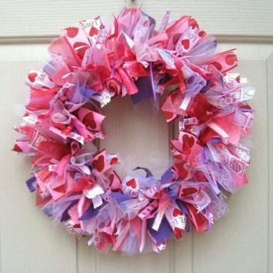 Unique Outdoor Valentine Decor Ideas 29