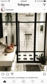 Comfy Farmhouse Wooden Bathroom Design Ideas 44