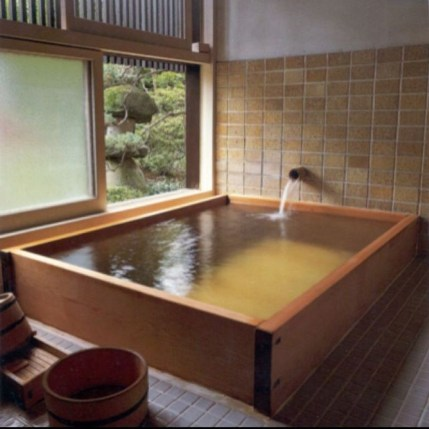 Comfy Traditional Bathroom Design Ideas With Japanese Style 08