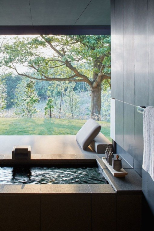 Comfy Traditional Bathroom Design Ideas With Japanese Style 40