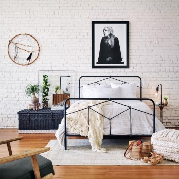 Fantastic Industrial Bedroom Design Ideas 43