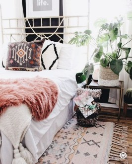 Lovely Boho Bedroom Decor Ideas 44