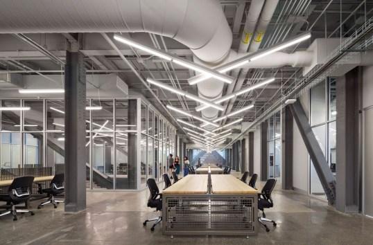Magnificient Industrial Office Design Ideas 43