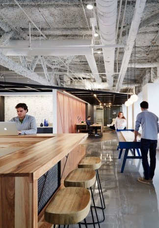 Magnificient Industrial Office Design Ideas 48