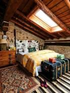Relaxing Small Loft Bedroom Designs 02