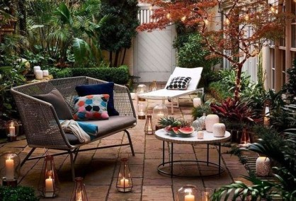 Stunning Small Patio Garden Decorating Ideas 25