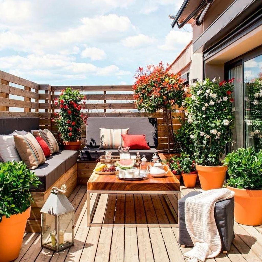 Stunning Small Patio Garden Decorating Ideas 30