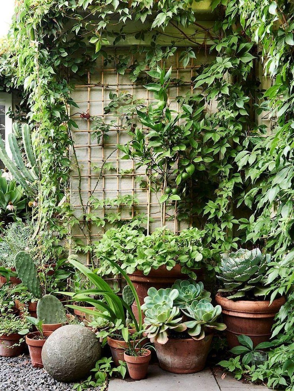 Stunning Small Patio Garden Decorating Ideas 31