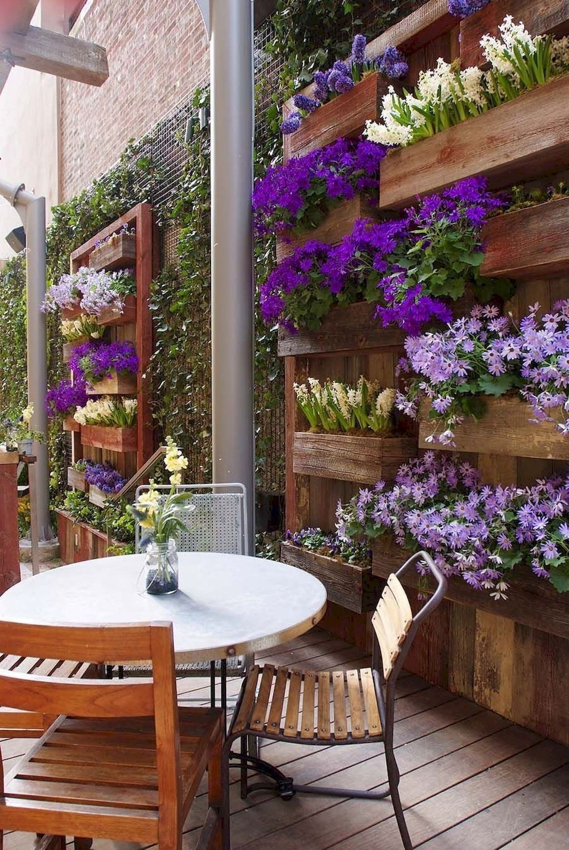 Stunning Small Patio Garden Decorating Ideas 45