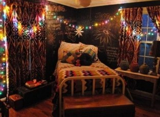 Wonderful Bohemian Design Decorating Ideas For Bedroom 04