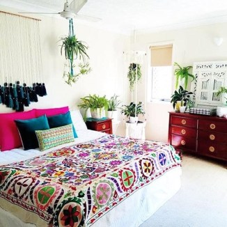 Wonderful Bohemian Design Decorating Ideas For Bedroom 11