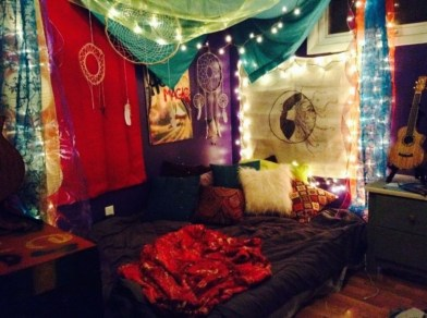 Wonderful Bohemian Design Decorating Ideas For Bedroom 26