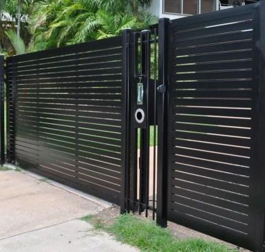 Cute Garden Fences Walls Ideas 08
