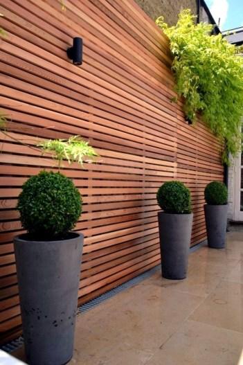 Cute Garden Fences Walls Ideas 30