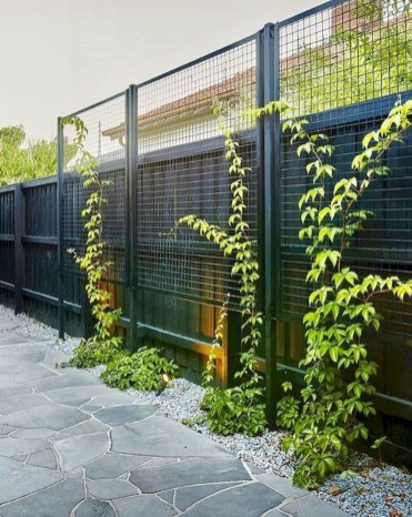 Cute Garden Fences Walls Ideas 39