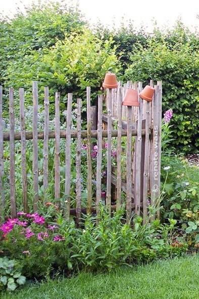 Cute Garden Fences Walls Ideas 42