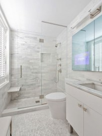 Elegant Bathroom Makeovers Ideas For Small Space 32