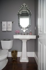 Elegant Bathroom Makeovers Ideas For Small Space 48