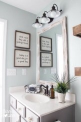 Elegant Bathroom Makeovers Ideas For Small Space 49