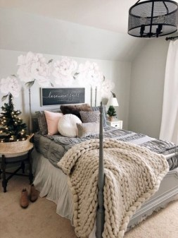 Elegant Farmhouse Decor Ideas For Bedroom 02