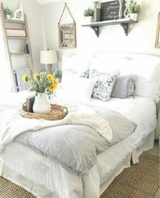 Elegant Farmhouse Decor Ideas For Bedroom 09