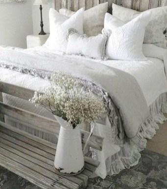 Elegant Farmhouse Decor Ideas For Bedroom 37
