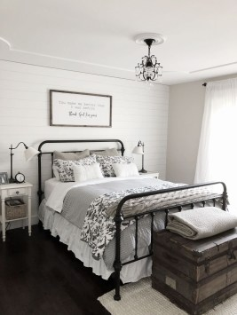 Elegant Farmhouse Decor Ideas For Bedroom 38