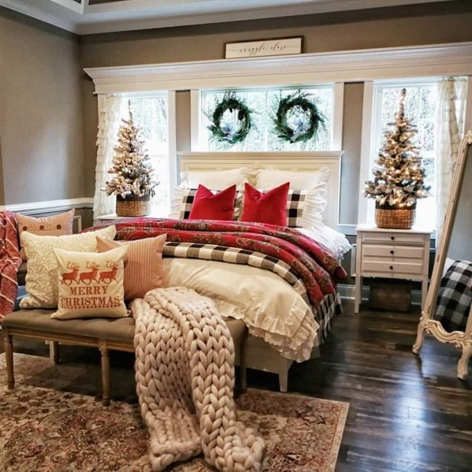 Elegant Farmhouse Decor Ideas For Bedroom 51