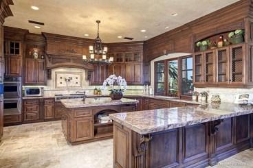 Gorgeous Traditional Kitchen Design Ideas 51