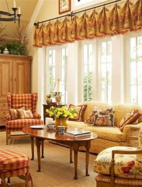 Impressive French Style Living Room Designs Ideas 07