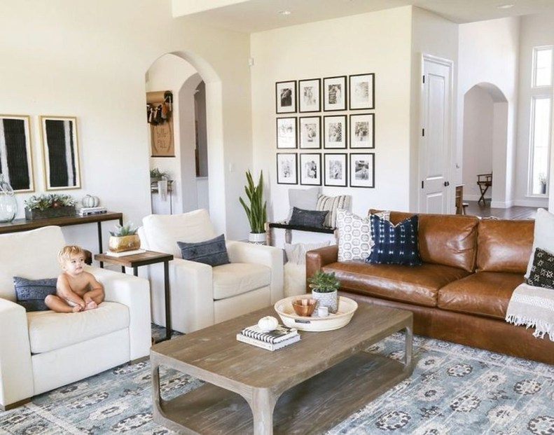 Impressive French Style Living Room Designs Ideas 13