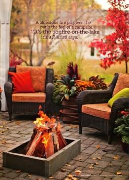 Incredible Autumn Decorating Ideas For Backyard 07