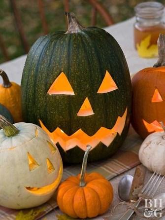 Incredible Autumn Decorating Ideas For Backyard 41