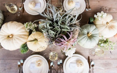 Incredible Autumn Decorating Ideas For Backyard 46