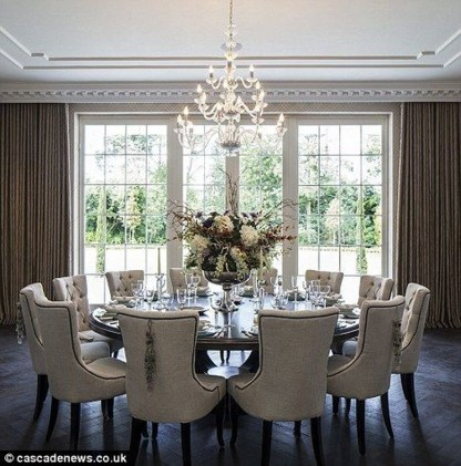 Striking Round Glass Table Designs Ideas For Dining Room 44