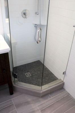 Unusual Small Bathroom Design Ideas 26
